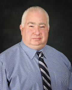 Portrait photo of Rob Farinelli.
